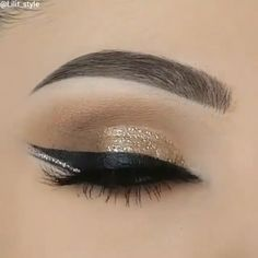 Winged Eye Makeup Tutorial Winged Eye Make-up Tutorial Smoky Eye Makeup, Smokey Eye Makeup Tutorial, Makeup Eye Looks, Eye Makeup Steps, Beautiful Eye Makeup, Eyebrow Makeup, Skin Makeup, Eyeshadow Makeup, Winged Eyeliner