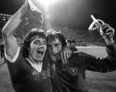KEVIN KEEGAN RAY CLEMENCE LIVERPOOL FC SUPERB LAB QUALITY UNSIGNED 10 X 8 PHOTO