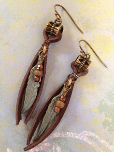 Boho Earrings Leather Earrings Feather Earrings Bohemian Earrings Boho Jewelry Tribal Leather Jewelry Mothers Day Gift for Mom Gift for Her – Schmuck Leather Jewelry, Wire Jewelry, Boho Jewelry, Beaded Jewelry, Jewelery, Jewelry Accessories, Handmade Jewellery, Copper Jewelry, Jewelry Ideas