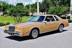 Chrysler Imperial 1983. Maintenance/restoration of old/vintage vehicles: the material for new cogs/casters/gears/pads could be cast polyamide which I (Cast polyamide) can produce. My contact: tatjana.alic@windowslive.com