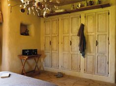 Portes de placards anciennes robes