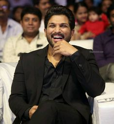 Actor Picture, Actor Photo, Allu Arjun Wallpapers, Allu Arjun Images, Real Hero, Handsome Actors, Black Boys, Celebs, Celebrities