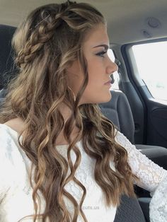 Quick, Easy, Cute and Simple Step By Step Girls and Teens Hairstyles for Back t… Quick, Easy, Cute and Simple Step By Step Girls and Teens Hairstyles for Back to School. Great For Medium Hair, Short, Curly, Messy or Formal Lo .. http://www.tophaircuts.us/2017/05/12/quick-easy-cute-and-simple-step-by-step-girls-and-teens-hairstyles-for-back-t/