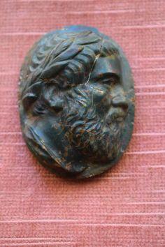 Catawiki, pagina di aste on line  Jasper sanguine Cameo  Athenian orator (Greece) Demostene   mm 60x45x23  mm  XVIII  Century Italy