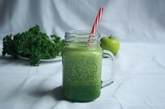10 Healthy Breakfast Smoothies That'll Make Your Busy Mornings Awesome - Simple Cooking For Simple People Kiwi Smoothie, Green Detox Smoothie, Apple Smoothies, Healthy Breakfast Smoothies, Smoothie Recipes, Green Smoothies, Morning Smoothies, Breakfast Recipes, Vanilla Smoothie