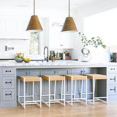 1,242 отметок «Нравится», 15 комментариев — Brandon Architects (@brandonarchitects) в Instagram: «•Some fresh, kitchen details to ease you into the week!• #brandonarchitects . . . Builder:…»