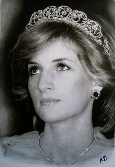 Diana, Princess of Wales, wearing the Spencer tiara. This tiara is now owned by Earl Spencer.
