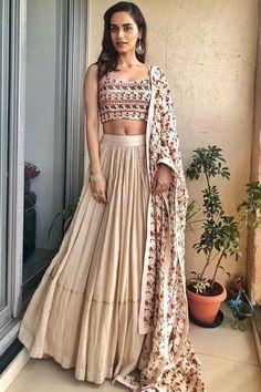 Best 11 Lehenga fabric:-maslin(semi-stitch) Lehenga Colour:cream Lehenga inner:-satoon Lehenga lehenga blouse mtr fabrics) blouse Colour:-off-white blouse Work:-embroidery sequence,zari + thread Indian Gowns Dresses, Indian Fashion Dresses, Dress Indian Style, Indian Designer Outfits, Prom Dresses, Simple Lehenga, Designer Party Wear Dresses, Indian Bridal Outfits, Stylish Dress Designs