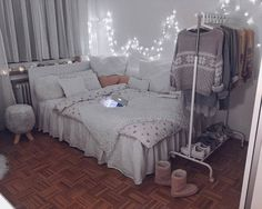 Image about home in bed room by Small Room Bedroom, Girls Bedroom, Bedroom Decor, My New Room, My Room, Aesthetic Bedroom, Dream Rooms, House Rooms, Room Inspiration