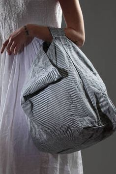 linen medium duffel bag with thin vertical stripes - DANIELA GREGIS
