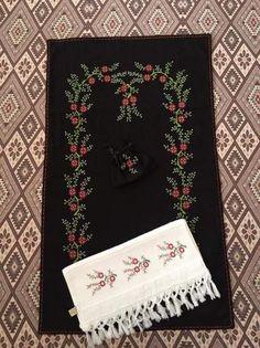 Tree Skirts, Christmas Tree, Holiday Decor, Cross Stitch, Towels, Punto De Cruz, Spring, Dots, Amigurumi