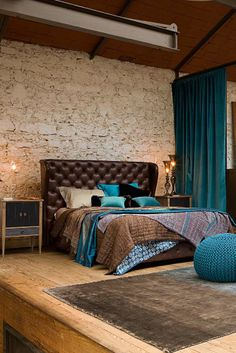 Loft Power | Dalani Magazine.  This room is elsewhere on board, but this is a much closer up view, a better one.