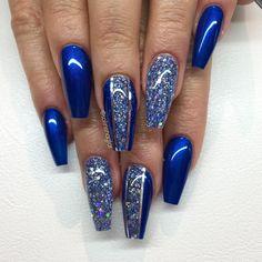 """""""Electric Blue"""" med egenblandat glitter och silverstripes"""