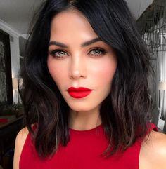Jenna Dewan Tatum classic makeup look with red lips