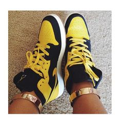 My lovely @breeanajeanine with her J's and ankle cuff touch ✨ www.Gold-Soul.com✨ #goldsoulista #wdywt #ootd #instafashion