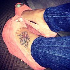 Love the shoes and toe nail polish