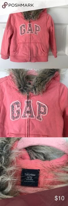 Baby Gap Hoodie Fur is not removable. In a great condition 👍🏻 GAP Shirts & Tops Sweatshirts & Hoodies