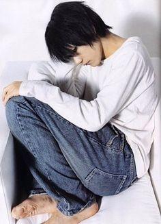 Death note L Kenichi Matsuyama cosplay Death Note Live Action, Death Note 1, Death Note Cosplay, Aomori, Yolo, L Cosplay, Man Japan, L Lawliet, Book Works