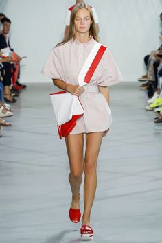 http://www.vogue.com/fashion-shows/spring-2016-ready-to-wear/lacoste/slideshow/collection