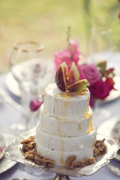 cheese cake with fig and walnuts #wedding