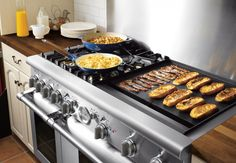 Thermador 48 Inch Pro-Style Dual-Fuel Range with 4 Star Burners w/ ExtraLow Simmer Settings), 24 Inch Electric Griddle, European Element Convection & Extra-Large-Capacity Oven Kitchen Stove, New Kitchen, Kitchen Appliances, Kitchen Ranges, Kitchen Cabinets, Kitchen Ideas, Large Kitchen Ovens, Bosch Appliances, Bakery Kitchen