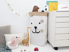 Rabicorto Ilustración, Transforming Simple Things into Daily Art Cute Little Things, Simple Things, Animal Pillows, Bedroom Styles, Interior Exterior, Baby Boy Nurseries, Kids Decor, Little People, Cozy House