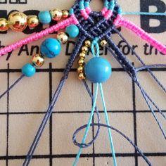 Bohemian earrings macramé Pompons and beads Micro Macramé, Macrame Jewelry, Diy Jewelry, Fil Bleu, Earring Tutorial, Round Beads, Gemstone Beads, Knots, Hand Weaving