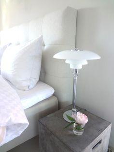 PH 3/2 stalinis šviestuvas. Dizainas Poul Henningsen