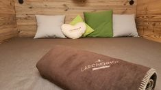 Wald Wellnes im Hotel Lärchenhof am Katschberg Wellness, Bed Pillows, Pillow Cases, Home, Summer Vacations, Woodland Forest, Pillows, House, Ad Home