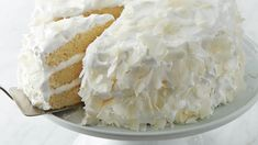 Serve your guests with this coconut cake – a perfect Christmas dessert. Food Cakes, Cupcake Cakes, Cupcakes, 13 Desserts, Dessert Recipes, Easter Desserts, Easter Cake, Easter Treats, Brunch Recipes