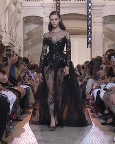 Elie Saab Look Autumn Winter Couture Collection - Beautiful Embroidered Black Sheath Evening Maxi Dress Evening Gown with Long Sleeves, a Skirt and a - Elie Saab Couture, Haute Couture Dresses, Style Couture, Couture Fashion, Runway Fashion, Elie Saab Bridal, Elie Saab Gowns, Fashion Show Dresses, Abed Mahfouz