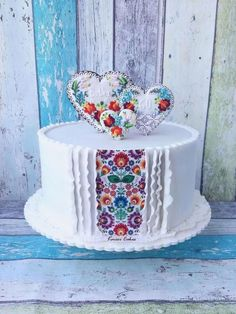 """Folk Cake by Kmeci Cakes but bigger with a """"peak"""" of mex Gorgeous Cakes, Pretty Cakes, Amazing Cakes, Cupcakes, Cupcake Cakes, Cake Decorating Techniques, Novelty Cakes, Elegant Cakes, Occasion Cakes"""