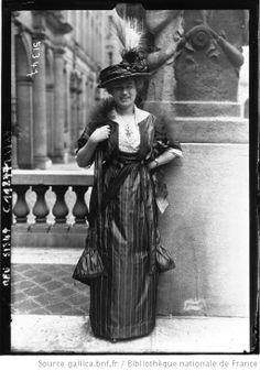 Melle Lauta, première femme licenciée en philosophie / Photographie de presse / Agence Meurisse (1914)