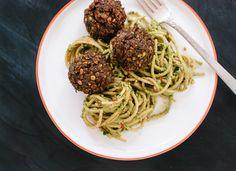 Vegetarian meatballs with arugula-walnut pesto