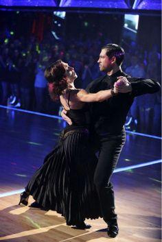 "Maks Chmerkovskiy & Meryl Davis tangoed to ""Feel So Close"" by Calvin Harris   -  Dancing With the Stars  -   week 6  -  Season 18  -   April 21, 2014. -  score  -  Score  - 10+10+10+10 = 40 of 40 possible points  -  highest score of the night"