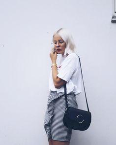 Mitäs sitten jos oma vanha tyyli alkaa tuntua loppuunkuluneelle? Blogissa lisää! . . . . . . . #mystyle #fashionstatement #moreontgeblog #linkinbio #whatiwore #streetstyle