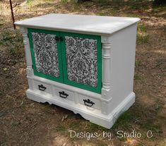 How to Revamp an Old Console TV Cabinet 9 Diy Furniture Plans, Diy Furniture Projects, Diy Craft Projects, Furniture Making, Furniture Makeover, Furniture Refinishing, Custom Furniture, Furniture Design, Repurposed Items