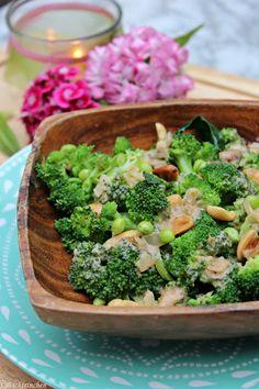 Asiatischer Brokkoli Salat mit Erdnussdressing