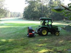 Trilo Blower A compact blower with a large capacity. Tractor Accessories, Landscaping Company, Tractors, Compact, Grass, Golf, Landscape, House, Scenery