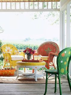 Outdoor decoration ideas wicker chairs In the garden