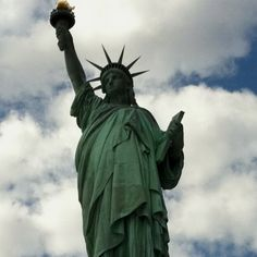 Ive seen Lady Liberty 6 times and every time she takes my breath away. Places In Florida, Vacation Places, Dream Vacations, Vacation Spots, Places To Travel, Oh The Places You'll Go, Places To Visit, I Love America, I Love Nyc