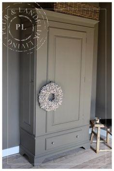Oude / 2-deurs kast / Brown/grey