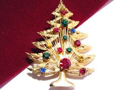 Vintage Signed Brooks Christmas Tree Brooch Pin by darsjewelrybox