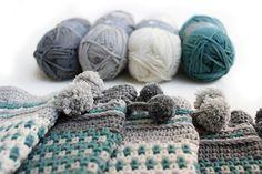 Scandinavian crochet workshops. SVENSKA VANTAR. Crochet Swedish mittens. By Handwerkjuffie. Love Crochet, Crochet Yarn, Swedish Christmas, Scandinavian Style, Merino Wool Blanket, Handicraft, Mittens, Needlework, Shawl