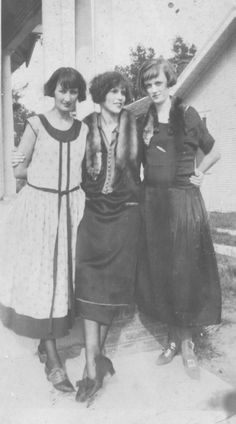 The 1920s day dress was very simple and understated. They were typically solid, neutral tones. The dresses were long and straight to make the women appear long and lean.