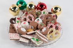 Chocolate Christmas Platters and Trays - Fabulously decorated and drenched chocolate dipped Double Stuffed Oreos®, pretzels, pretzel rods, grahams, marshmallows, Oreo® bark, caramel pretzel bark and much, much more adorn each of these trays.  www.chocolatepizazz.com