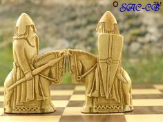 шахматы  British Museum Isle of Lewis - with Presentation Case and Solid Folding Board Included