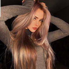 Amazing Women, Beautiful Women, Most Viral Videos, Pakistani Models, New Girlfriend, Urban Dresses, Irina Shayk, Dyed Hair, Kardashian