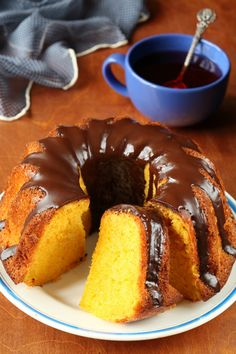 Brazilian carrot cake (Bolo de cenoura) (by Мiuda) . . . Ezra's all time favorite dessert!   must learn :)