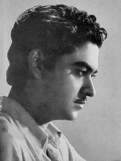 Ashok Kumar, Kishore Kumar, Bollywood Posters, Legendary Singers, Romantic Mood, Vintage Bollywood, King Of Music, Charlie Chaplin, World Music